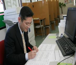 船橋夏見台校 三門校長です!