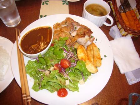 鶏のソテーとハッシュドビーフ