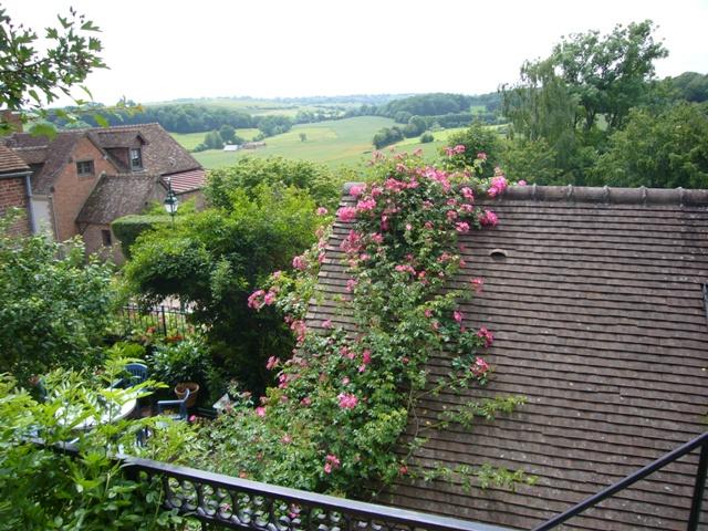 マルティネーズさんの庭からの眺め