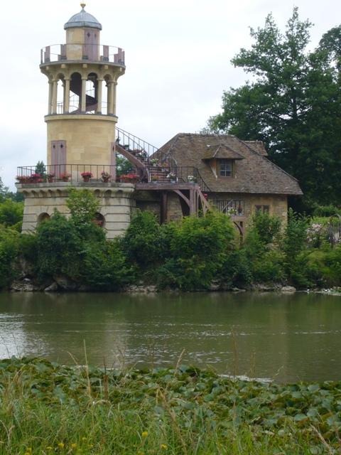 塔のある家
