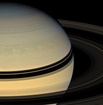 saturn6_cassini_big.jpg