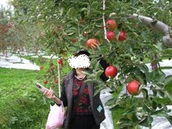 10月23日リンゴ狩りママ