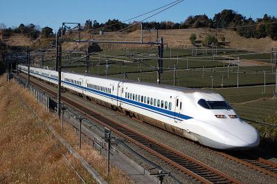 800px-JR_Central_Shinkansen_700.jpg