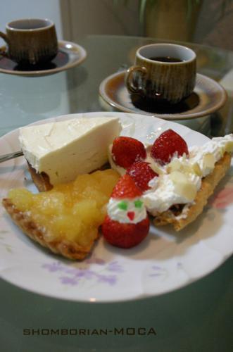 3種類のケーキでございますっ(*´・ω・`*)