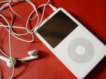MP3_apple-ipod-iphone_006.jpg