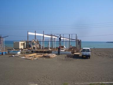 b茅ヶ崎海の家解体