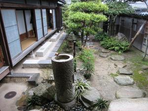 200809 井筒屋敷庭1