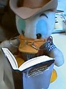読んでる本は深海魚の私物です
