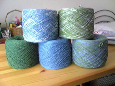 キハダと藍で染めた糸