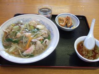 中華丼 ¥850 (はるみ