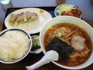 ラーメン定食 ¥800 (はるみ