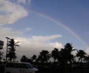 再会を約束するかのような、マウイ島の虹