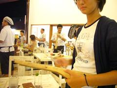 竹で演奏に参加