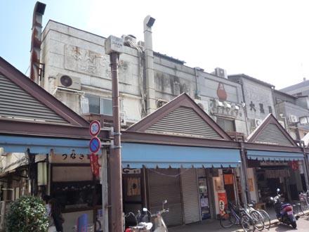 仲西通リの看板建築