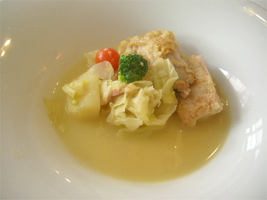 いわい鶏モモ肉とキャベツのブイヨン煮込み タイムの香り