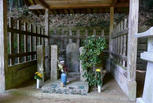 塚原卜伝の墓