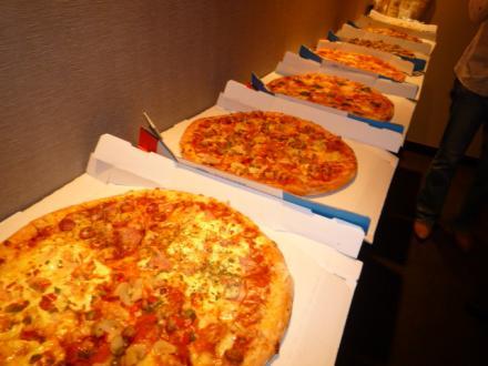 ピザが並ぶ様(笑)