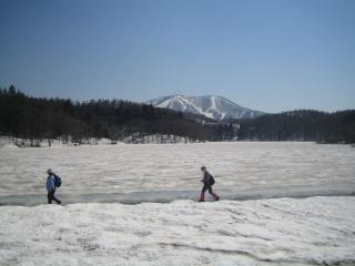 雪の希望湖