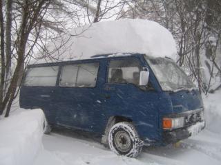 車の屋根も雪がどっさり