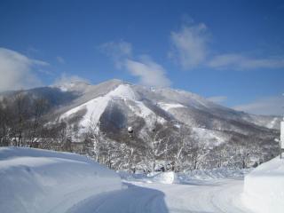 真っ白な斑尾山