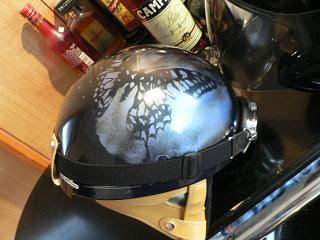 後ろの席用ヘルメット