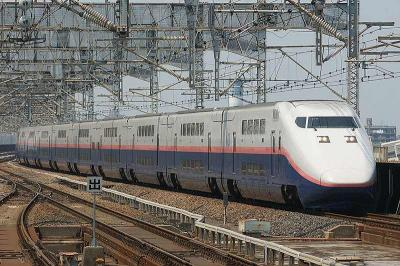 s-JR_East_Shinkansen_E128renewal29.jpg