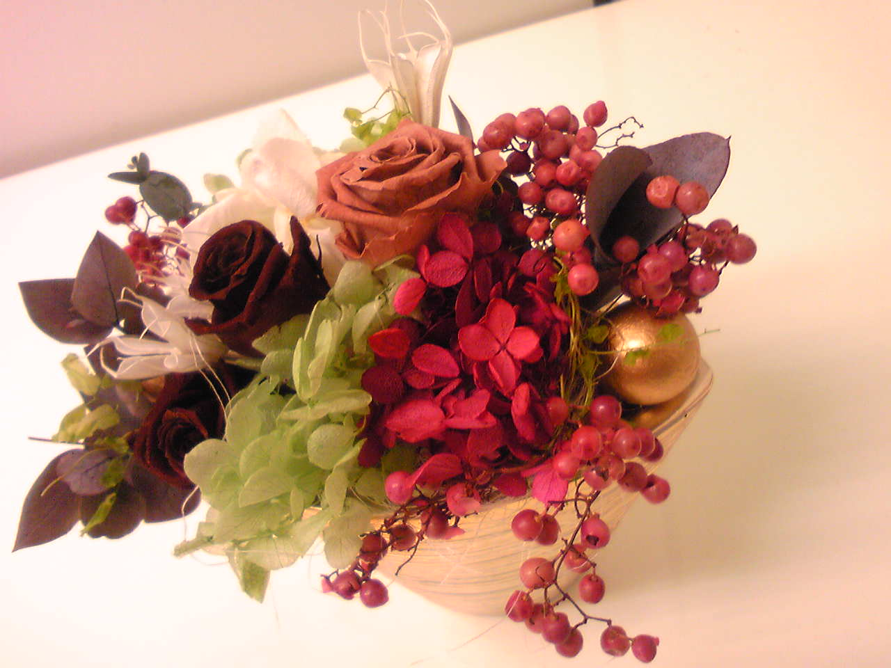 A preserved flower arrange 2