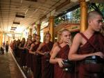 ミャンマーの修行僧