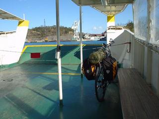 渡し船で向島へ