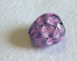 紫のウロコ玉