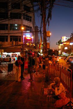 バンコク、カオサンロード前で撮影した写真