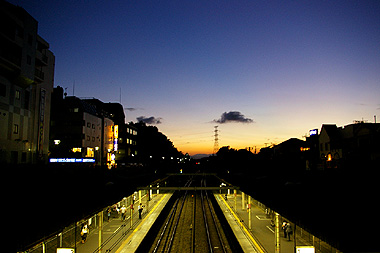 近所の駅から見た景色を撮影