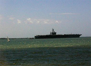ポルトの海で発見した巨大戦艦の画像