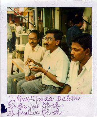ムンバイで会った作業員3人組の画像