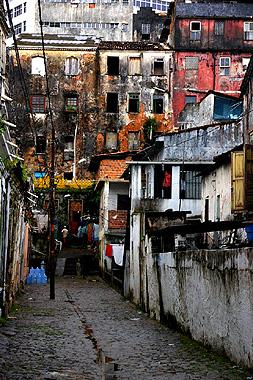 サルバドールのややスラム化した地域の画像