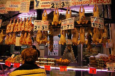 スペインのとある市場に吊るされた可哀相なウサギ達の画像