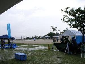 雨のサンセットビーチ