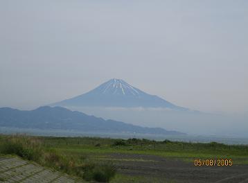 三保から望む富士(静岡県)