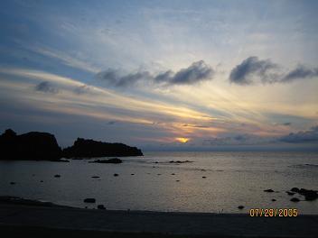 「イカ焼き村」からの夕日