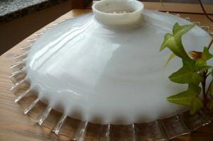 ミルクガラスランプシェード