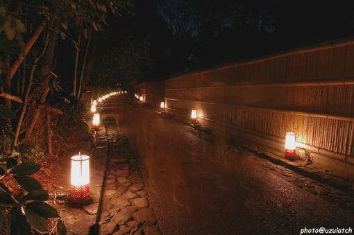 竹塀と灯籠