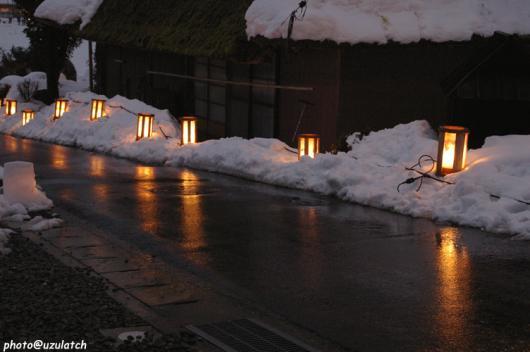 雪景と灯籠