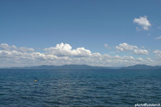 海に浮かぶ雲