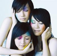 perfume-TKCA-73250.jpg