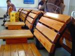 長野県内中央線の木製ベンチ