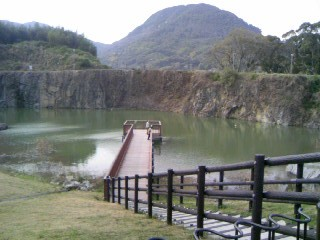 石神山の池?