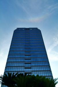 市役所高層館上空の天頂環