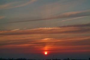 日没寸前の薄明光線