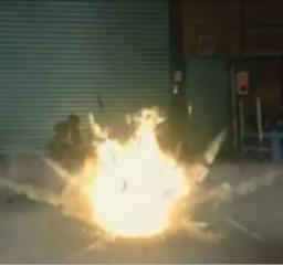 ジーン爆発