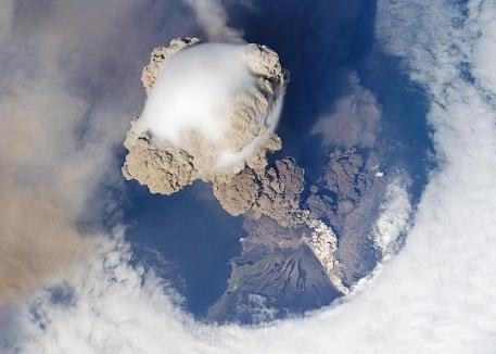 サリチェフ噴火